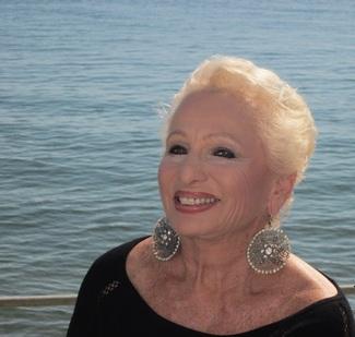 Life Long Learning Hosts Memoir Author