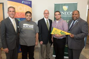lsc-students-with-presidents-and-mayor
